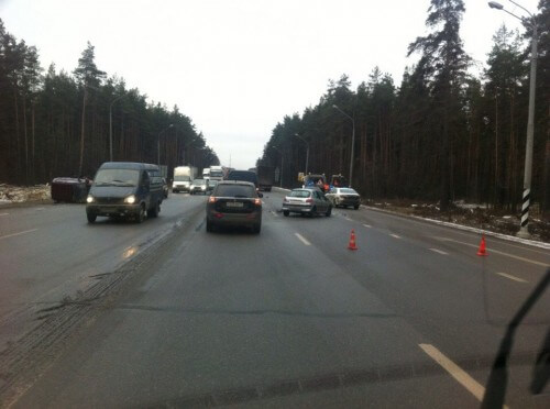 фото Утром 5 декабря на трассе М-10 столкнулись 4 легковушки