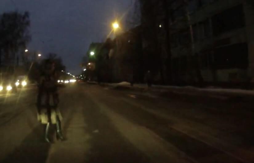 В Твери на пешеходном переходе сбили женщину