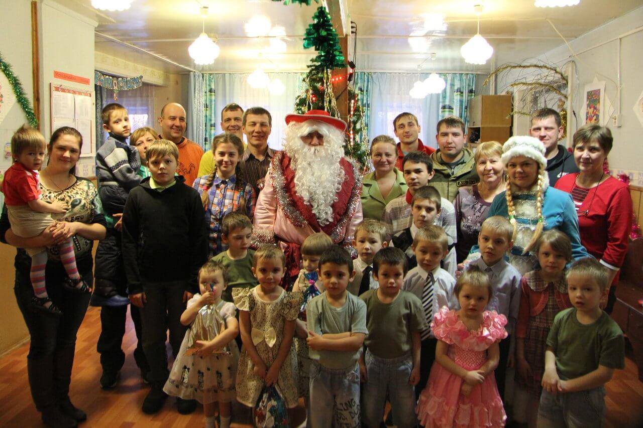 В Спирово состоялась новогодняя акция для детей из местного приюта