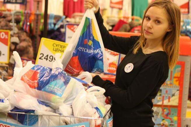 """В Твери в рамках акции """"Участвуйте!"""" собрали 3 тыс. подарков для детей из социальных учреждений"""
