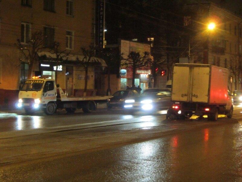 В Твери у грузовой Газели отвалились два колеса