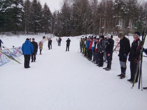 фото Сотрудники правоохранительных органов сразились в лыжных гонках