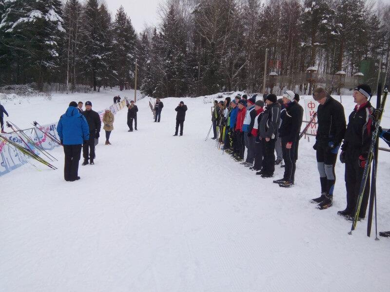 Сотрудники правоохранительных органов сразились в лыжных гонках