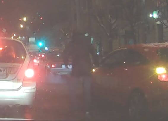 В Твери водитель устроил разборки на дороге