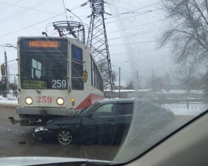 В Твери вновь произошло ДТП с участием трамвая
