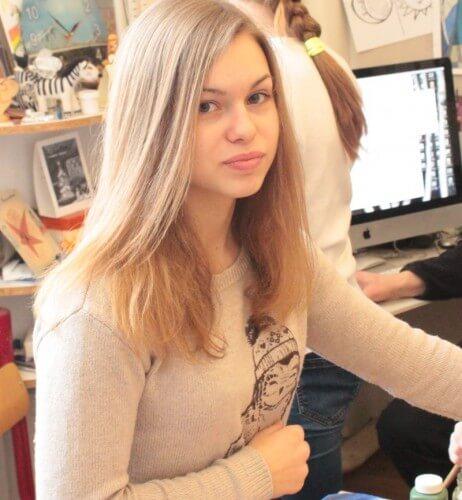 """фото Воспитанница тверской изостудии участвует в конкурсе на новую эмблему """"Артека"""""""