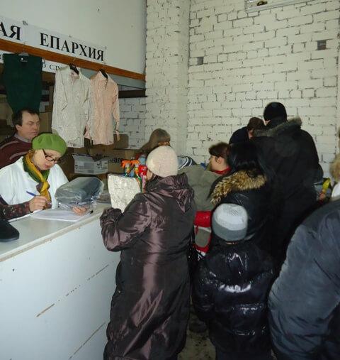 Благотворительную помощь получили более 100 семей беженцев