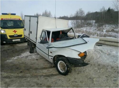 фото В Тверской области столкнулись 2 легковушки. Есть пострадавшие