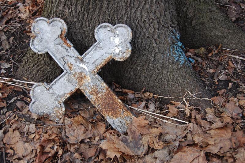 Ссора на кладбище привела к преступлению