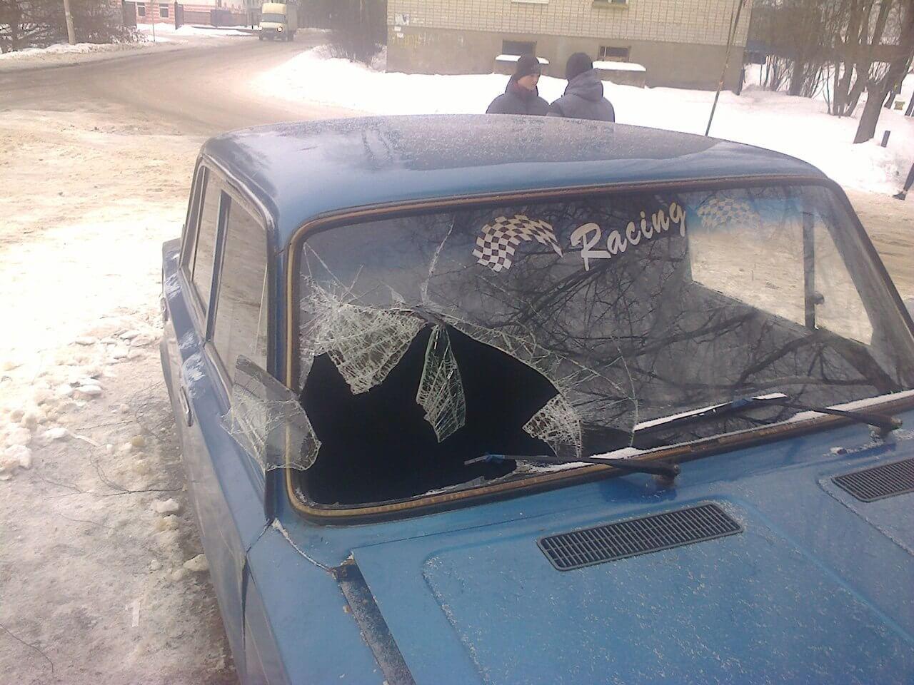 В Вышнем Волочке ищут водителя, задавившего двух девушек и скрывшегося с места ДТП