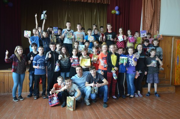 Тверские волонтеры в преддверии праздников навестили детей в Вышневолоцкой школе-интернате