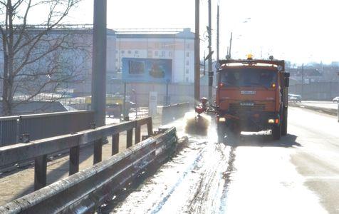 фото В Твери начали чистить дороги