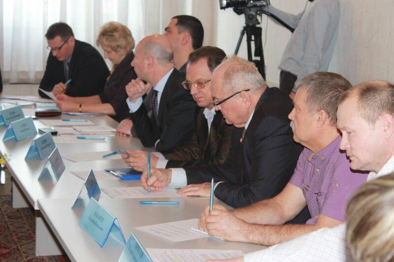 ОНФ берет на контроль проблемы жителей Калининского района