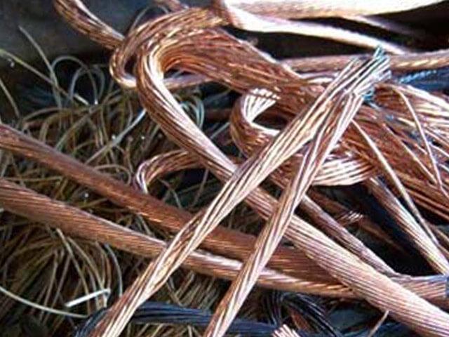 С одного из предприятий в Кесовогорском районе местный житель похитил медный кабель на общую сумму 25 тысяч рублей