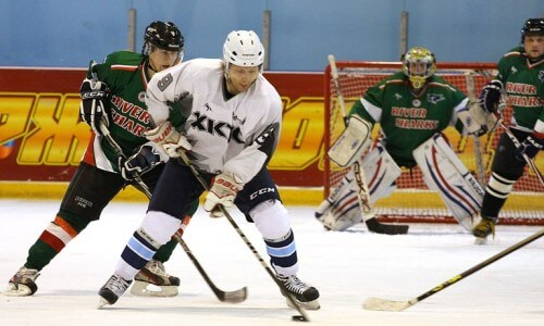 фото Во Ржеве прошел межобластной турнир по хоккею, посвященный дню освобождения города от немецко-фашистских захватчиков