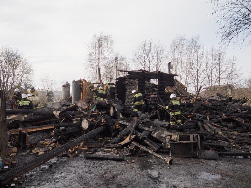 Погорельцам из Бологое - семье, потерявшей 4 человек в огне пожара в ночь на 9 марта, срочно требуется помощь