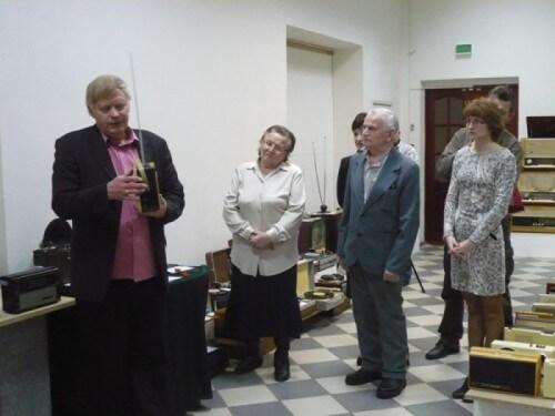 """фото В Вышневолоцком краеведческом музее проходит выставка """"Ретро-радио"""""""