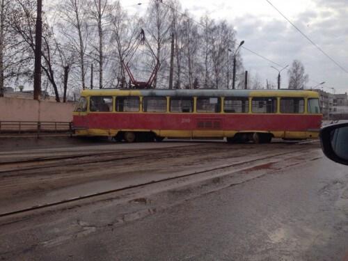 фото В Твери трамвай вновь сошел с рельс