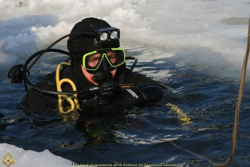 фото На озере Селигер мужчина провалился под лед и утонул