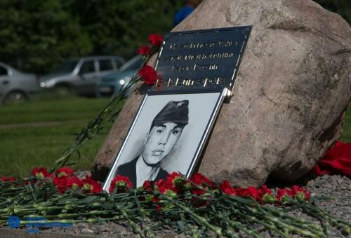 фото В Твери заложили камень на месте будущего памятника герою Владимиру Елизарову