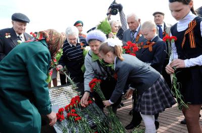 В Калининском районе состоялась торжественная церемония закладки камня в основание монумента героям Великой Отечественной войны