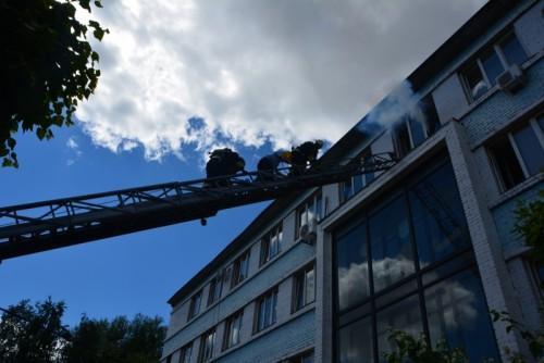 фото В здании регионального ГИБДД тушили условный пожар