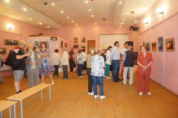 В Максатихинском Доме культуры открылась фотовыставка Геннадия Зубанова