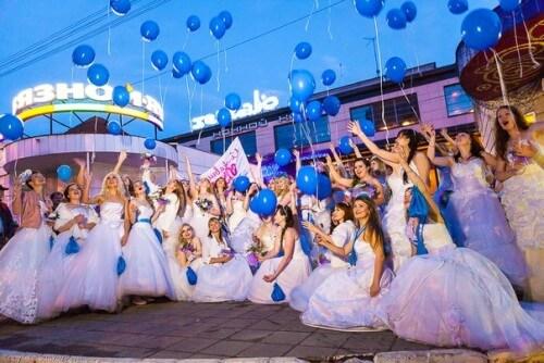 """фото В Твери прошел фестиваль """"Сбежавшие невесты"""""""