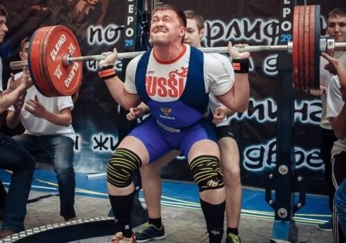 фото Тверской таможенник Никита Воронов - чемпион России по пауэрлифтингу