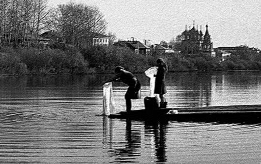Женщина, полоскавшая белье в реке Осуга, получила ожоги из-за вылитых туда химикатов