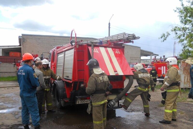В Твери прошли соревнования по боевому развертыванию среди пожарных подразделений региона