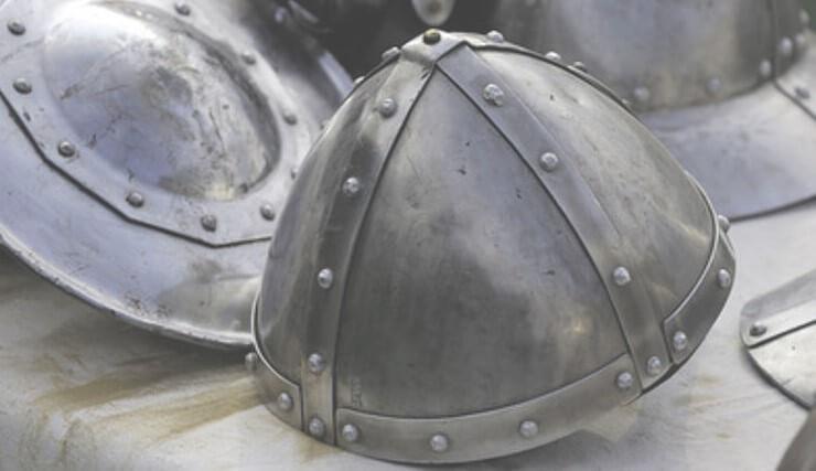 """Участникам """"Нашествия"""" предложат примерить средневековые доспехи и пострелять из катапульты"""