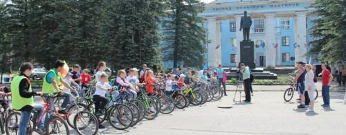 фото В Тверской области полицейские организовали велопробег «Движение – это жизнь!»
