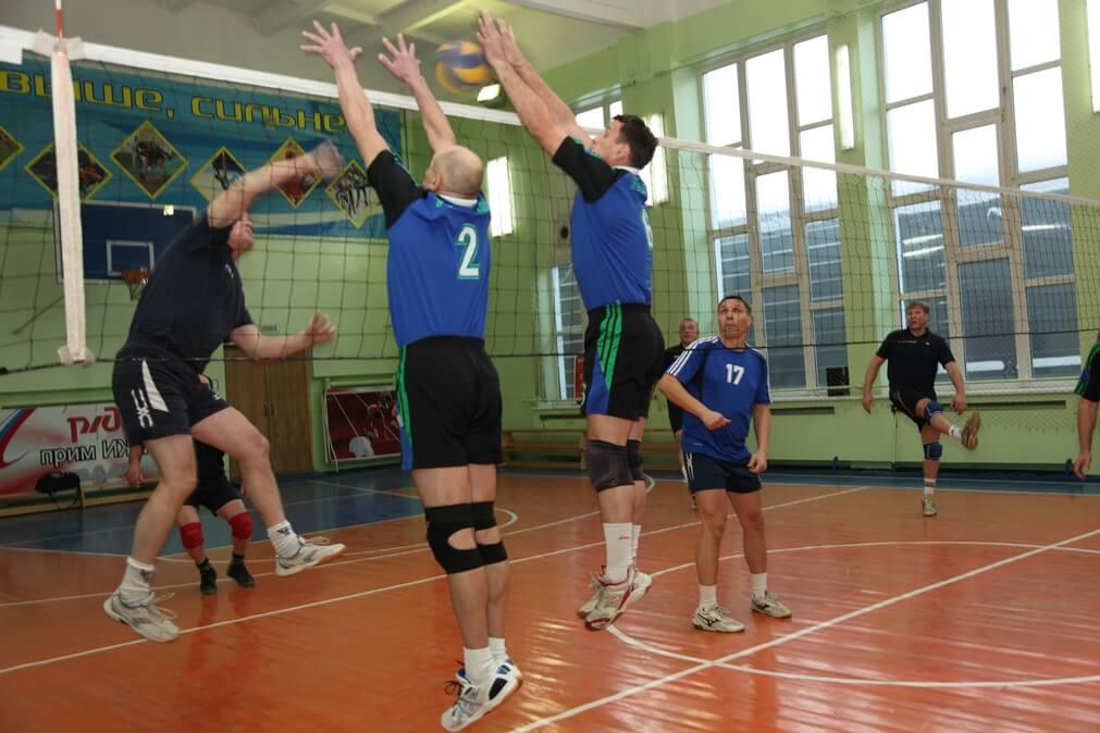 В спортзалах Твери пройдет турнир среди ветеранов волейбола
