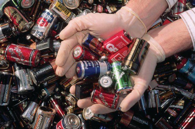 В Твери появится бесплатный пункт сбора опасных отходов от населения