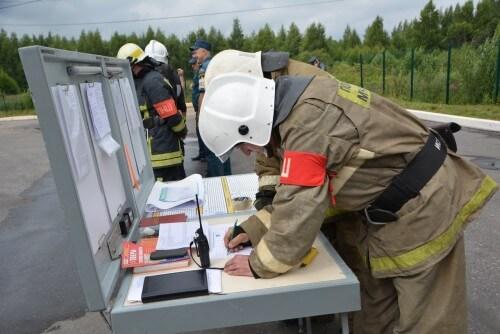 фото В Твери тушили условный пожар на типографии
