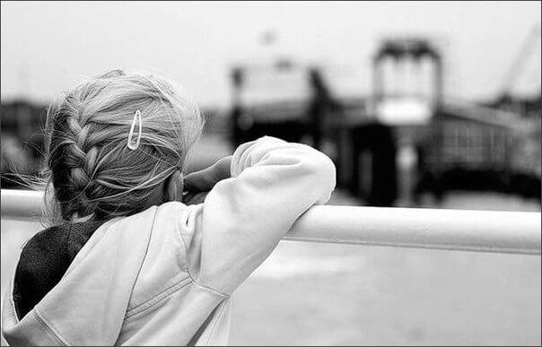 Сотрудники ГИБДД вернули домой сбежавшую девочку