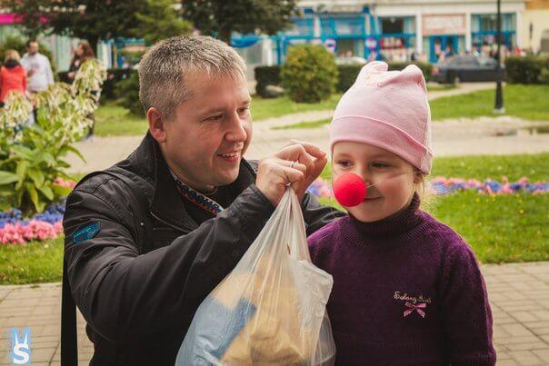 """В Твери проходит благотворительная акция """"Красный нос дарит надежду"""""""