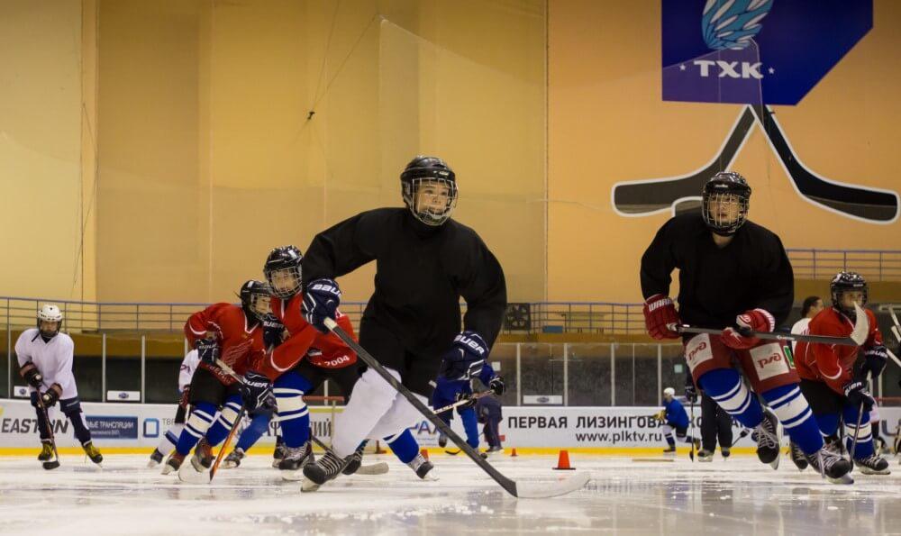 ТХК провел первый мастер-класс для воспитанников тверской хоккейной школы