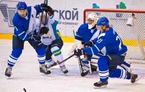 фото Тверской хоккейный клуб обыграл Торпедо со счетом 3:1