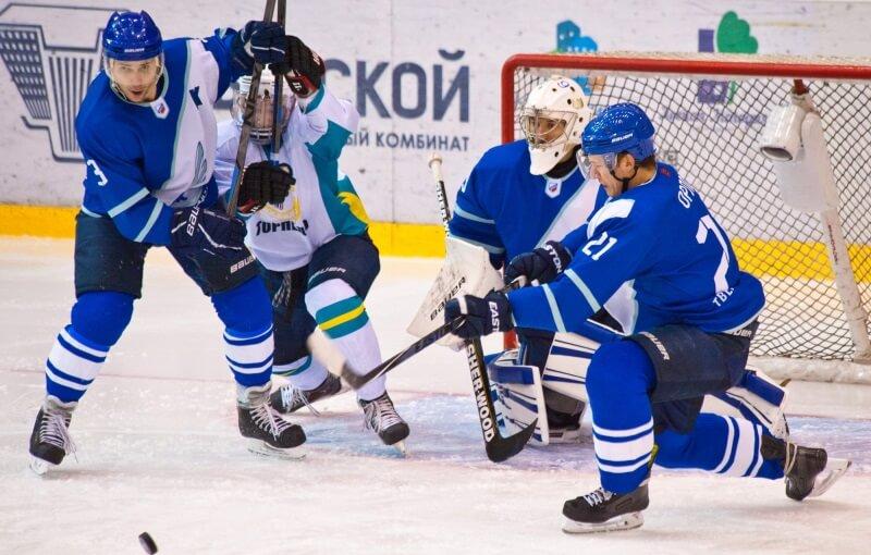 Тверской хоккейный клуб обыграл Торпедо со счетом 3:1