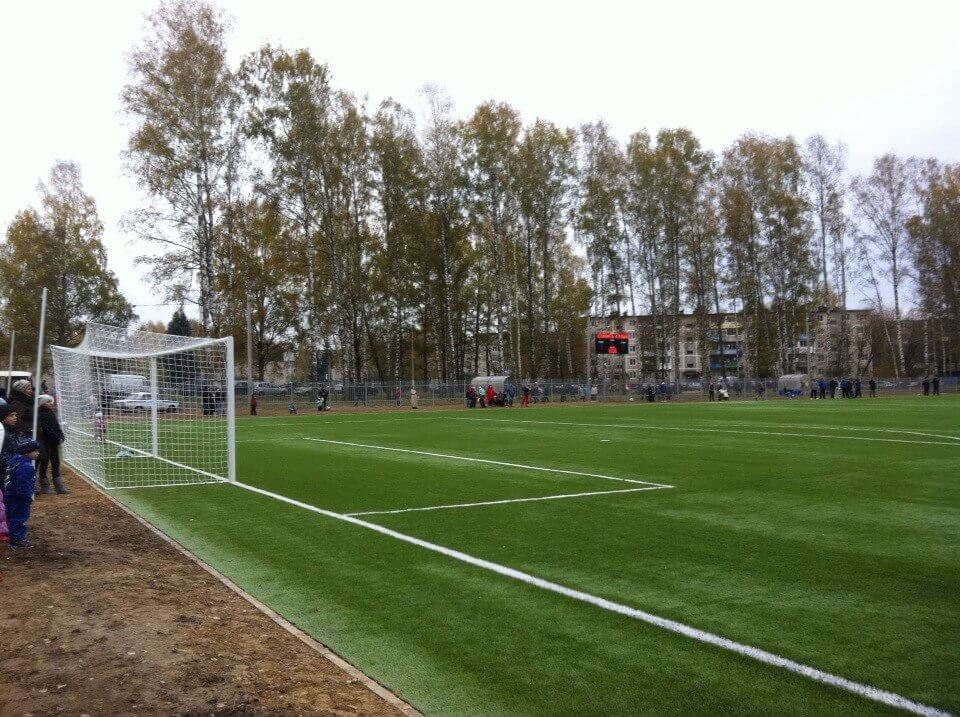 Новое футбольное поле для новых спортивных побед