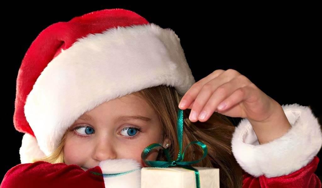 Волонтеры готовят новогодний праздник для детишек из Некрасовского детского дома