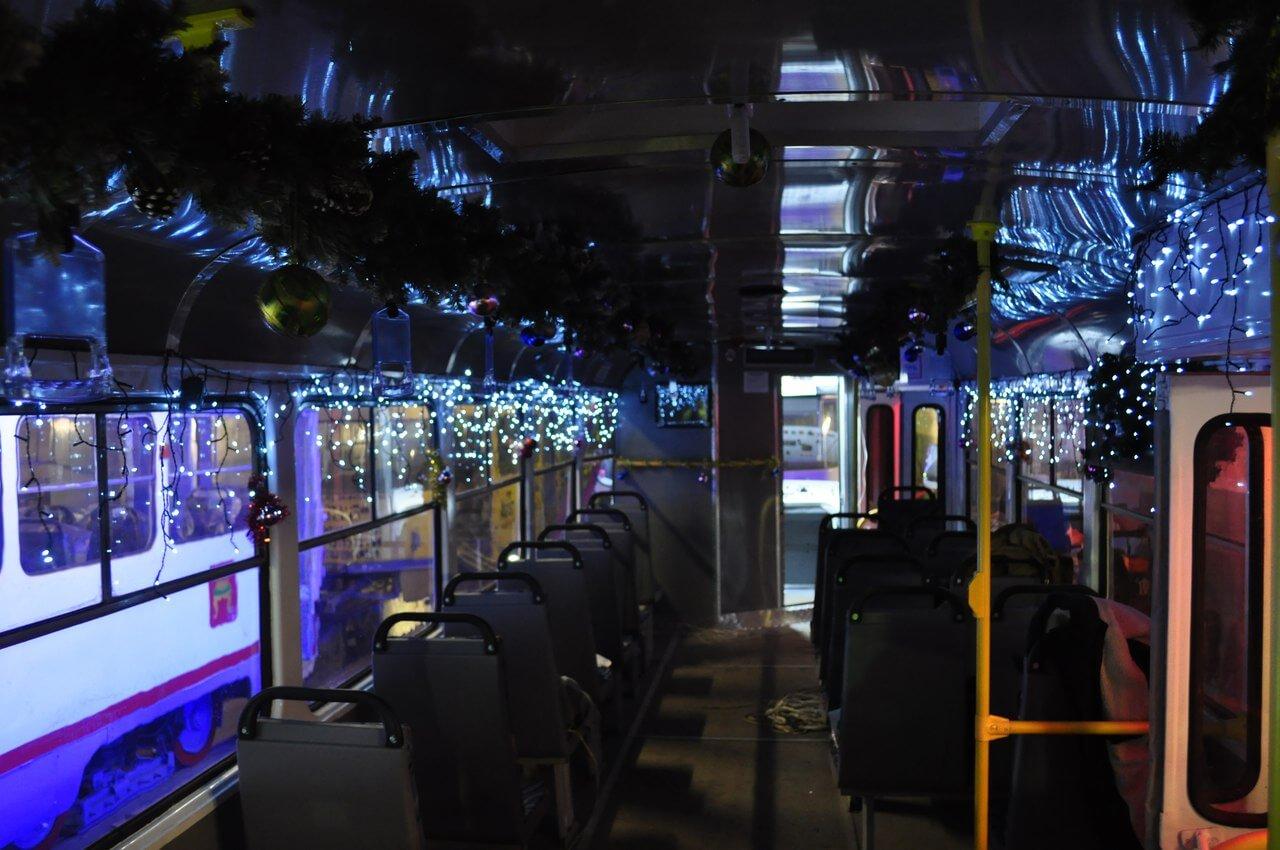 Новогодний трамвай выйдет на обкатку в город