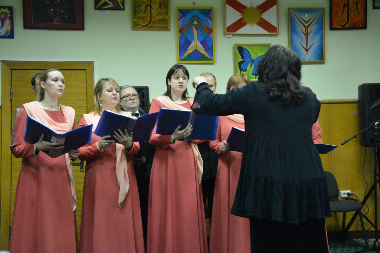 Концерт духовных стихов и православных песнопений в Фонде Мира