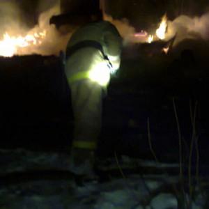 фото На пожаре в поселке Калашниково пострадали люди