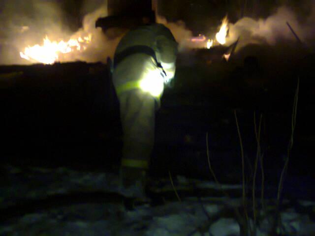 На пожаре в поселке Калашниково пострадали люди