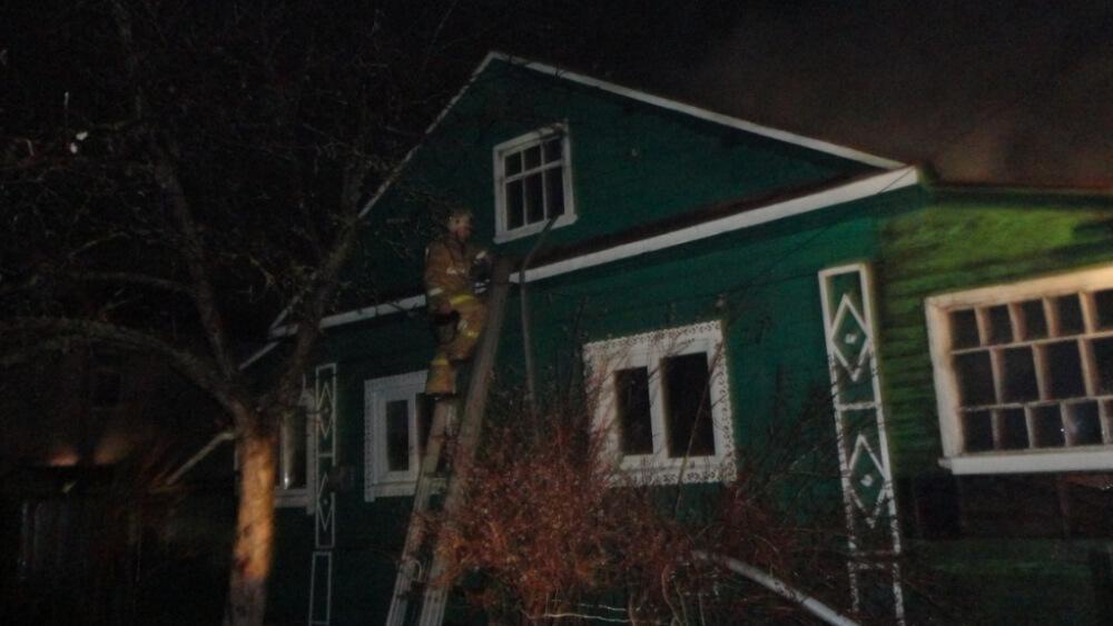 На пожаре в Бежецке пострадал человек