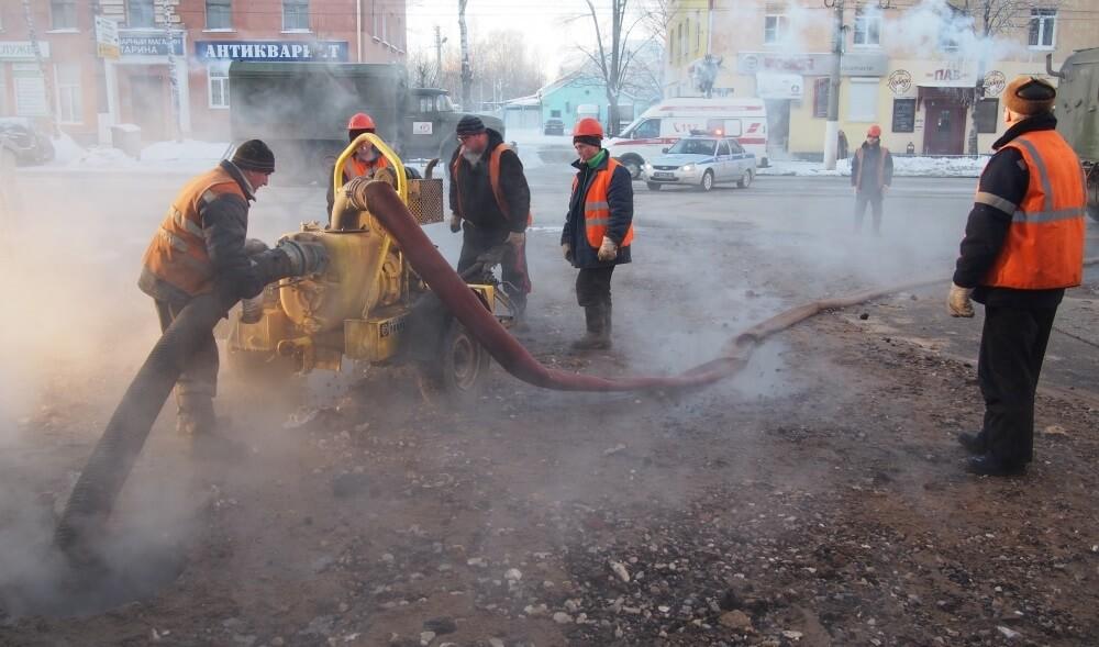 По факту прорыва трубопровода в Твери проводится доследственная проверка