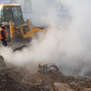 фото МЧС: Завершены работы по заполнению теплоносителем трубопровода в Московском районе Твери после аварии
